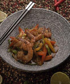 Креветки с хрустящими овощами в перечном соусе